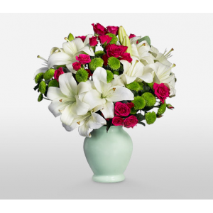 Get 40% off on Snow White Complimentary Vase