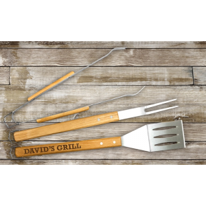 Get Engraved Wood Grilling Tool Set At $21.99
